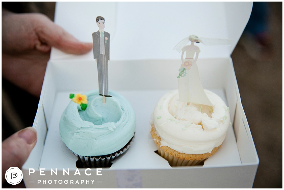 cute wedding cupcakes with bride and groom